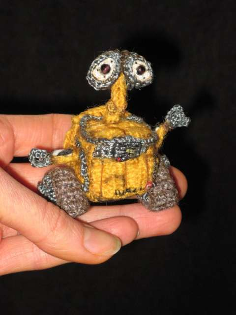 new wall e crochet doll