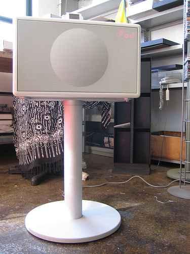 Geneva Sound System iPod Speaker 4