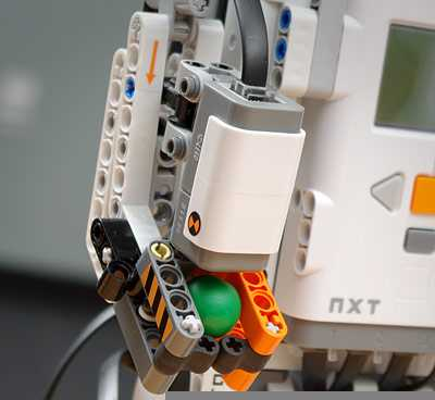 LEGO Mindstorms NXT 2.0 2