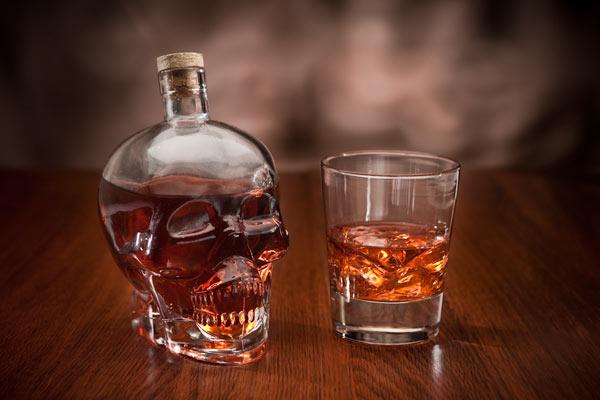 glass skull decanter 1