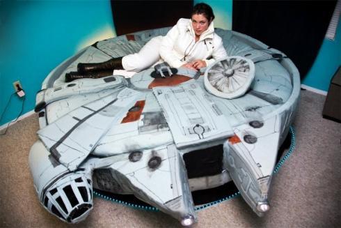 millennium Falcon Bed design for geeks